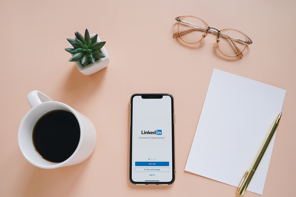 10 Ideas for What to Post on LinkedIn for your Small Business